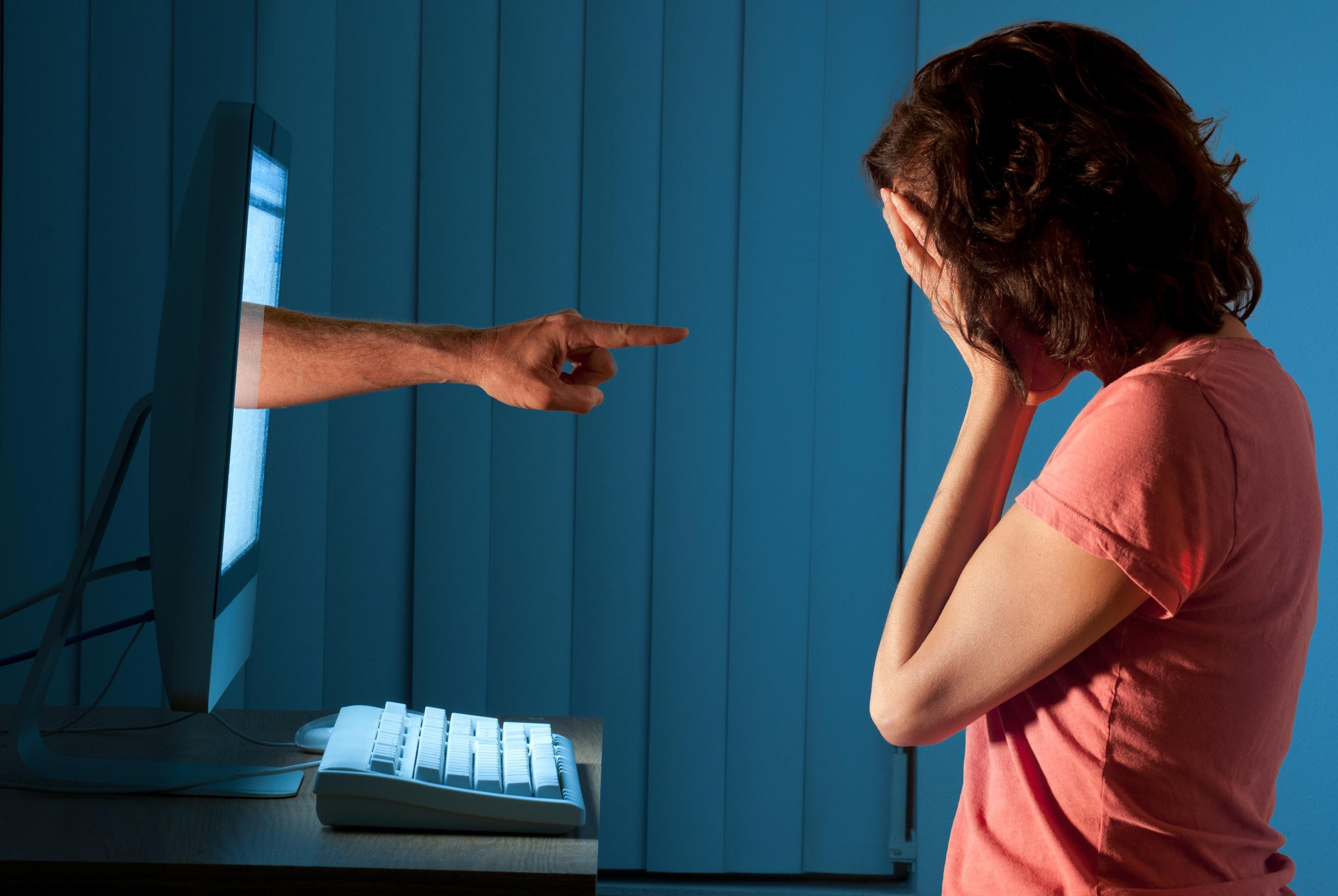 Responsabilização de provedor de aplicação por conteúdo ofensivo independe de notificação judicial