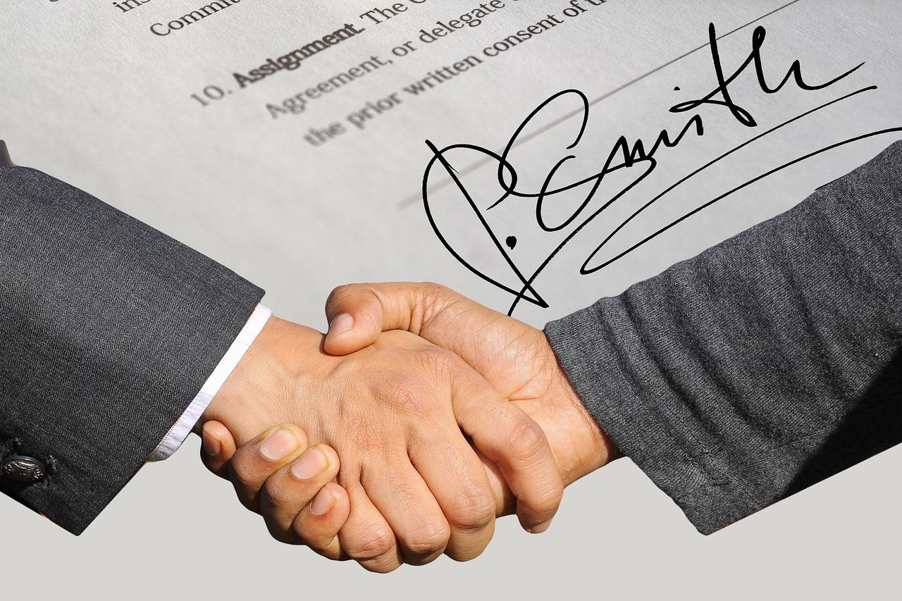 Parte que dispensou arbitragem não pode invocá-la em outro processo sobre o mesmo contrato