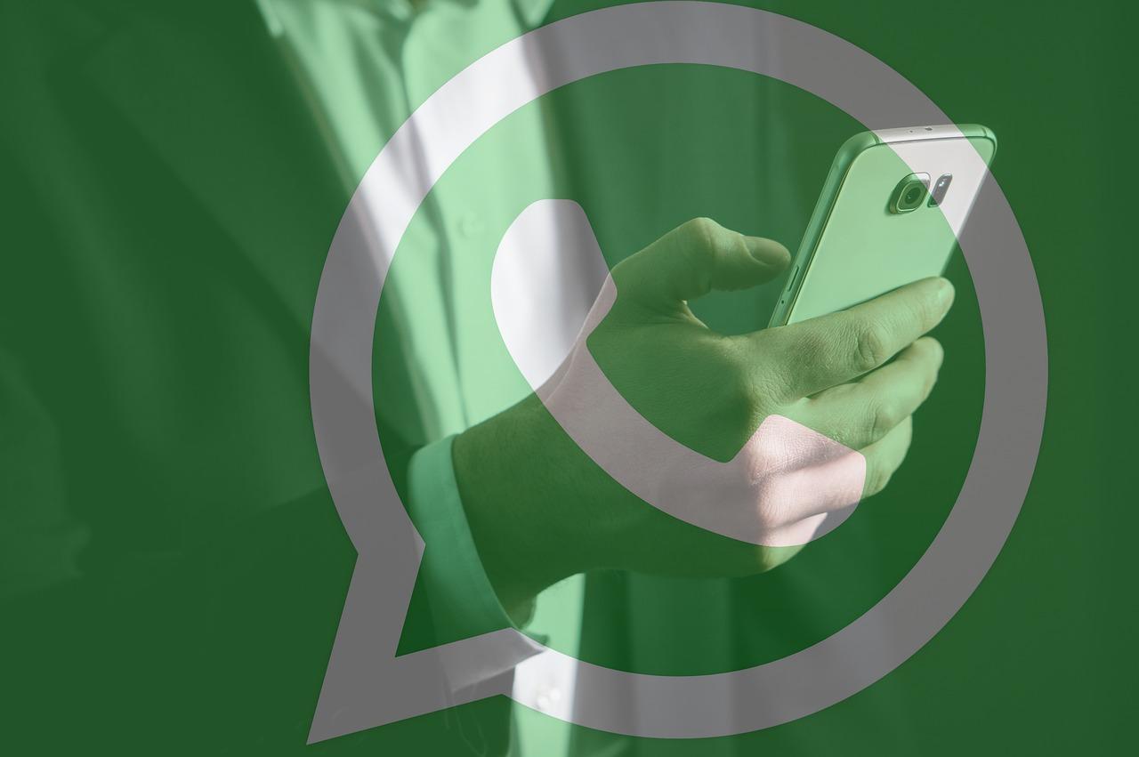 Supervisora será indenizada por assédio de gestores em grupo corporativo de WhatsApp