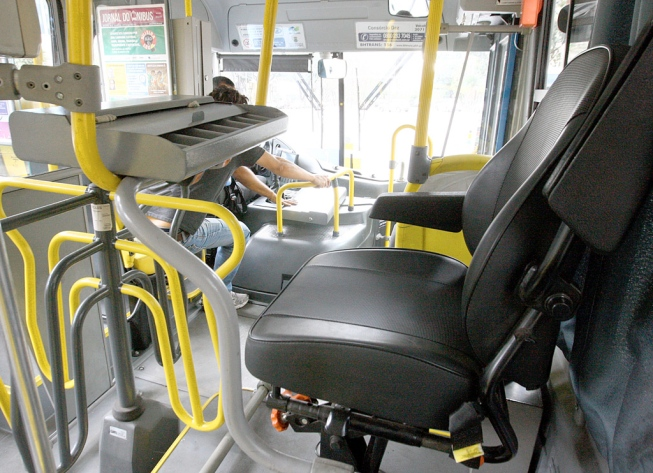 Empresa de ônibus é condenada por contratação insuficiente de pessoas com deficiência