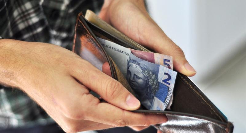 TRT3 fixa dano moral em redução de salário pactuada verbalmente