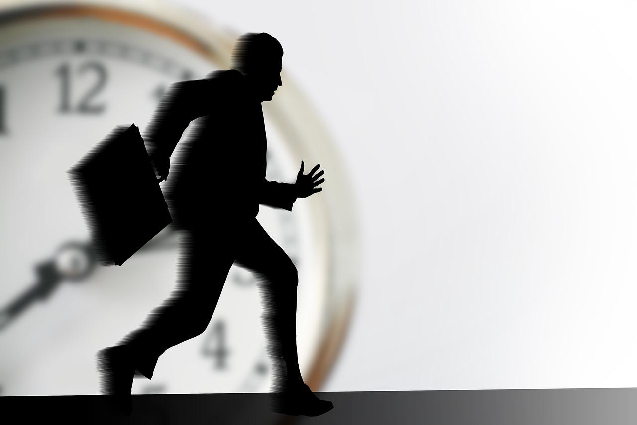 Anulada justa causa de operador por abandono de emprego após alta previdenciária