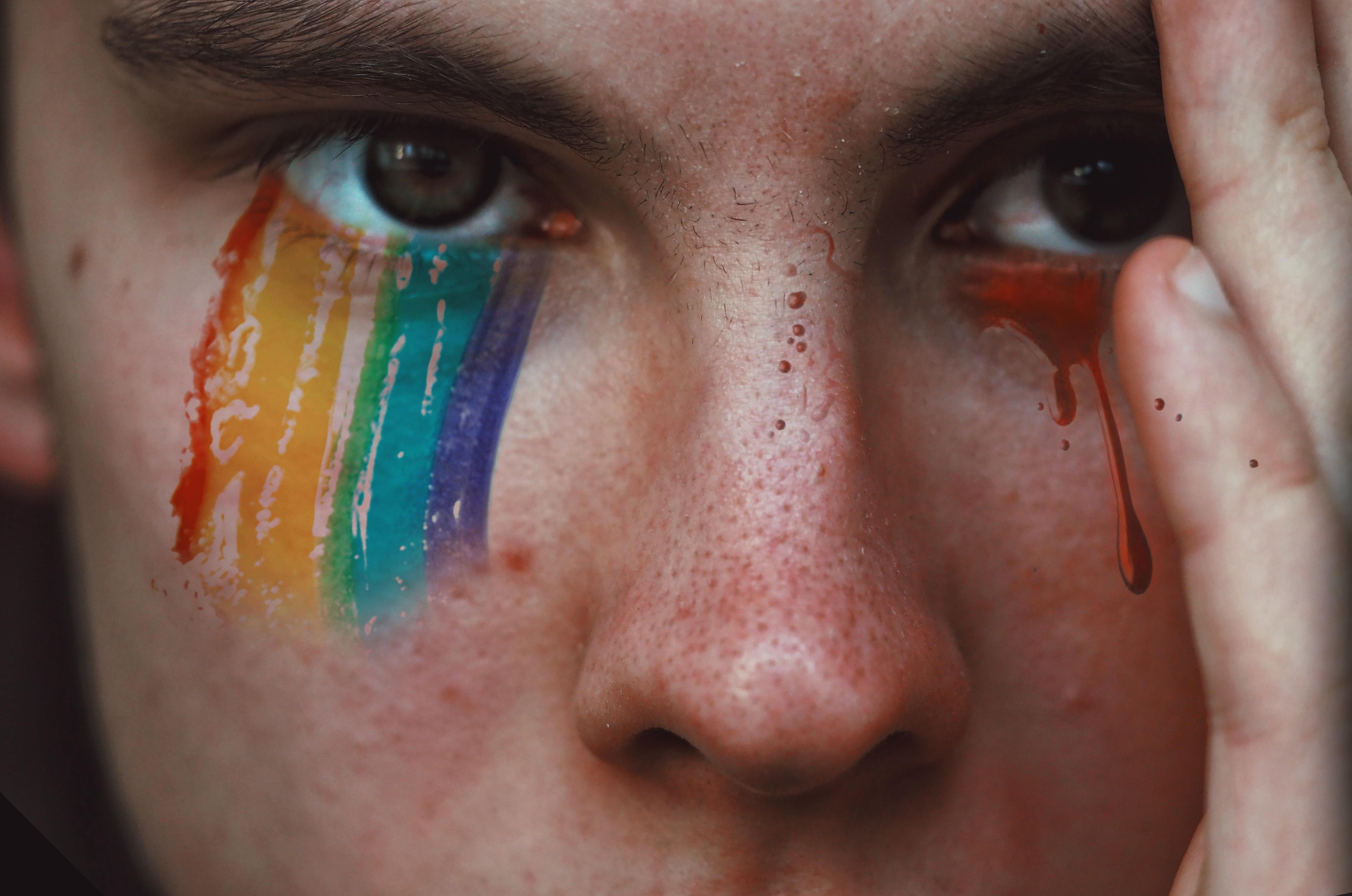 Encarregado consegue aumentar valor de indenização após situação de homofobia