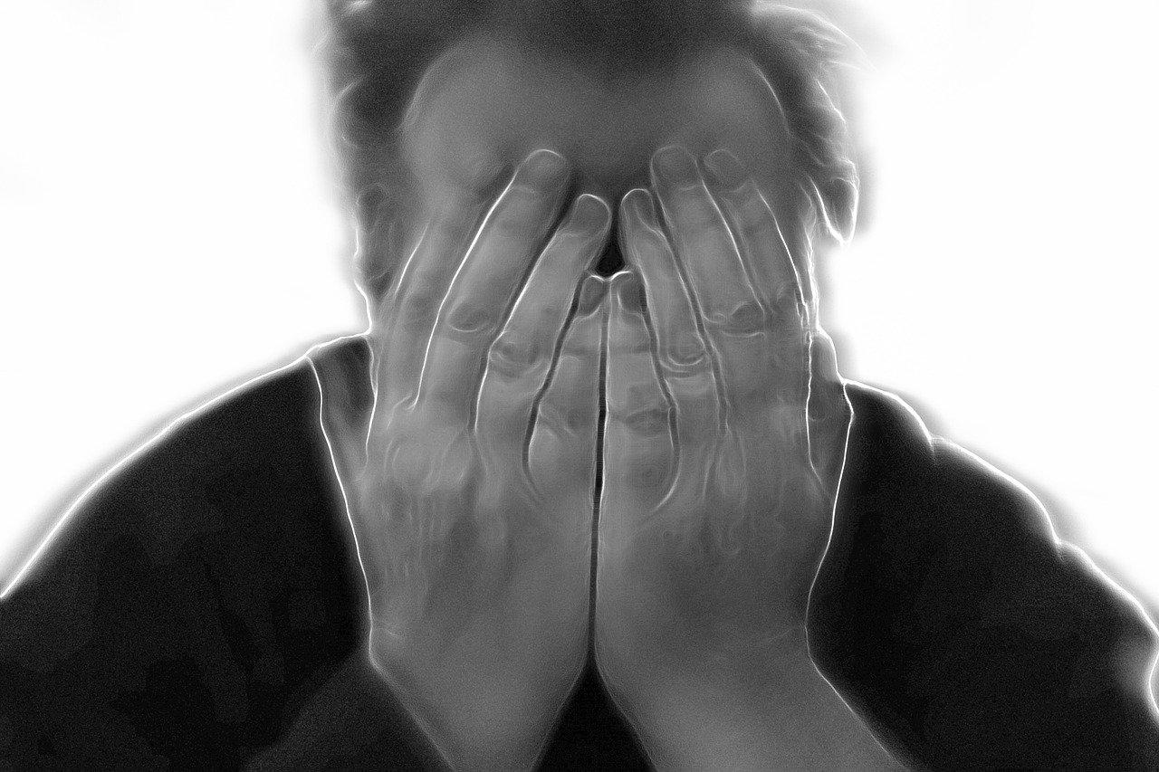 Operadora de seguradora será indenizada por problemas psiquiátricos decorrentes do trabalho
