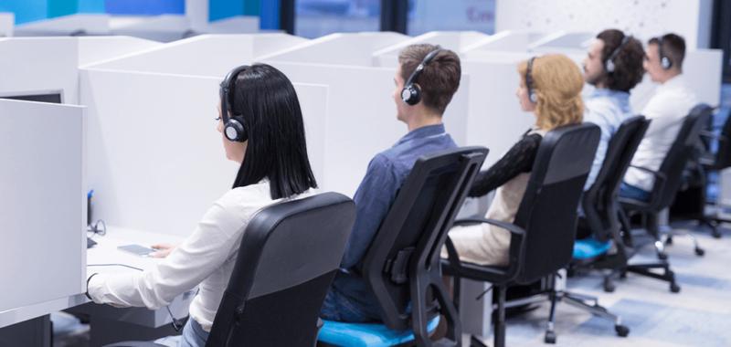 Negado adicional de insalubridade por uso de fone de ouvido a operadora de telemarketing
