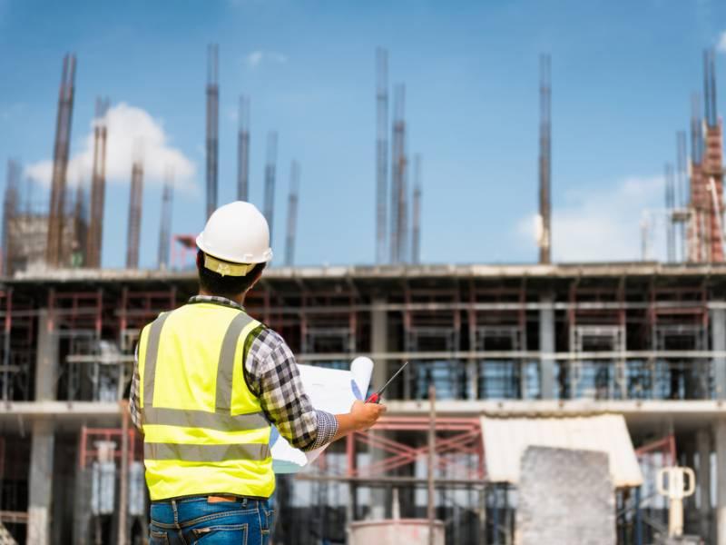 TST analisa responsabilidade trabalhista em construção civil