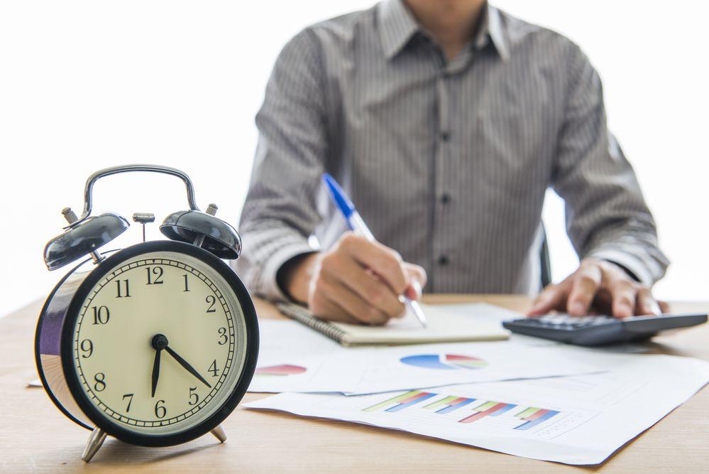Para o TST comissionista recebe horas extras e extraordinárias