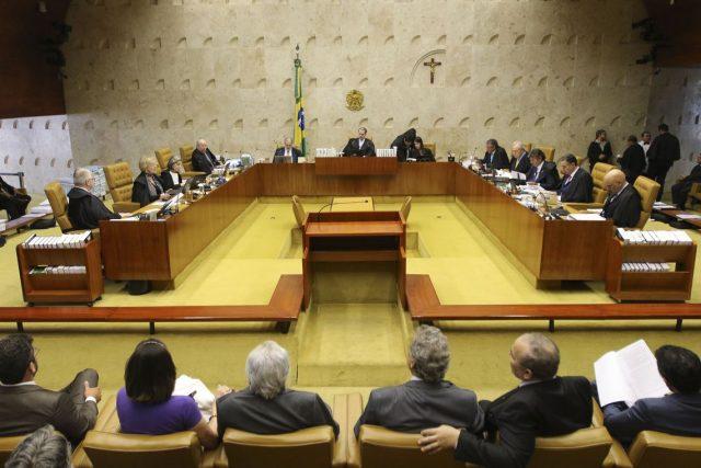 STF declara inconstitucional suspensão por inadimplência de anuidade