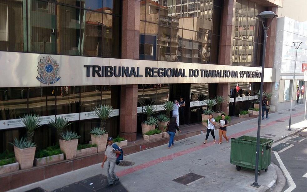 TRT15 afasta deserção e determina análise da justiça gratuita