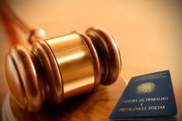 TST afasta multa do artigo 477 por ser ultra petita